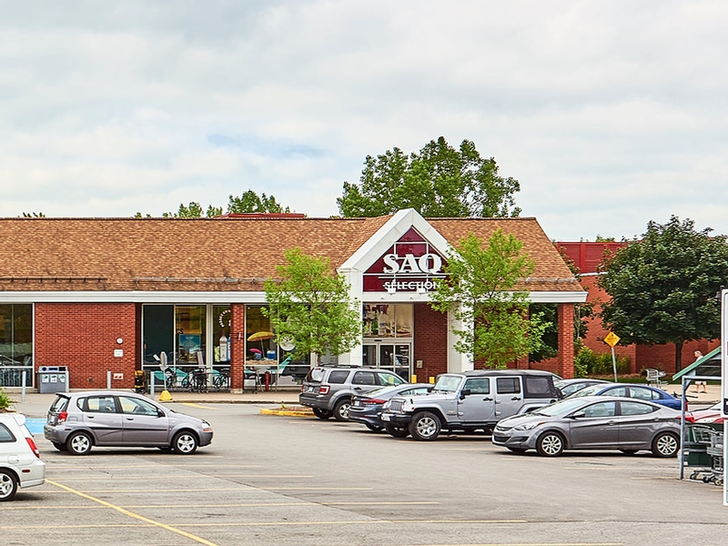 Shopping center for rent in Nuns' Island at Le-Village-Shopping-Centre - Photo 12 - RentersPages – L181765