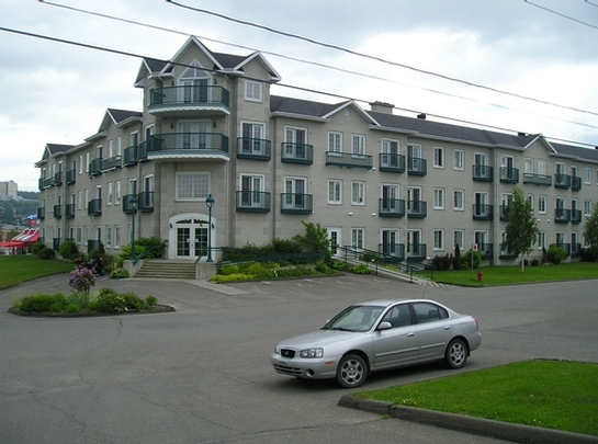 Studio / Bachelor Independent living retirement homes for rent in Rivière-du-Loup at Manoir Lafontaine - Photo 02 - RentersPages – L19087