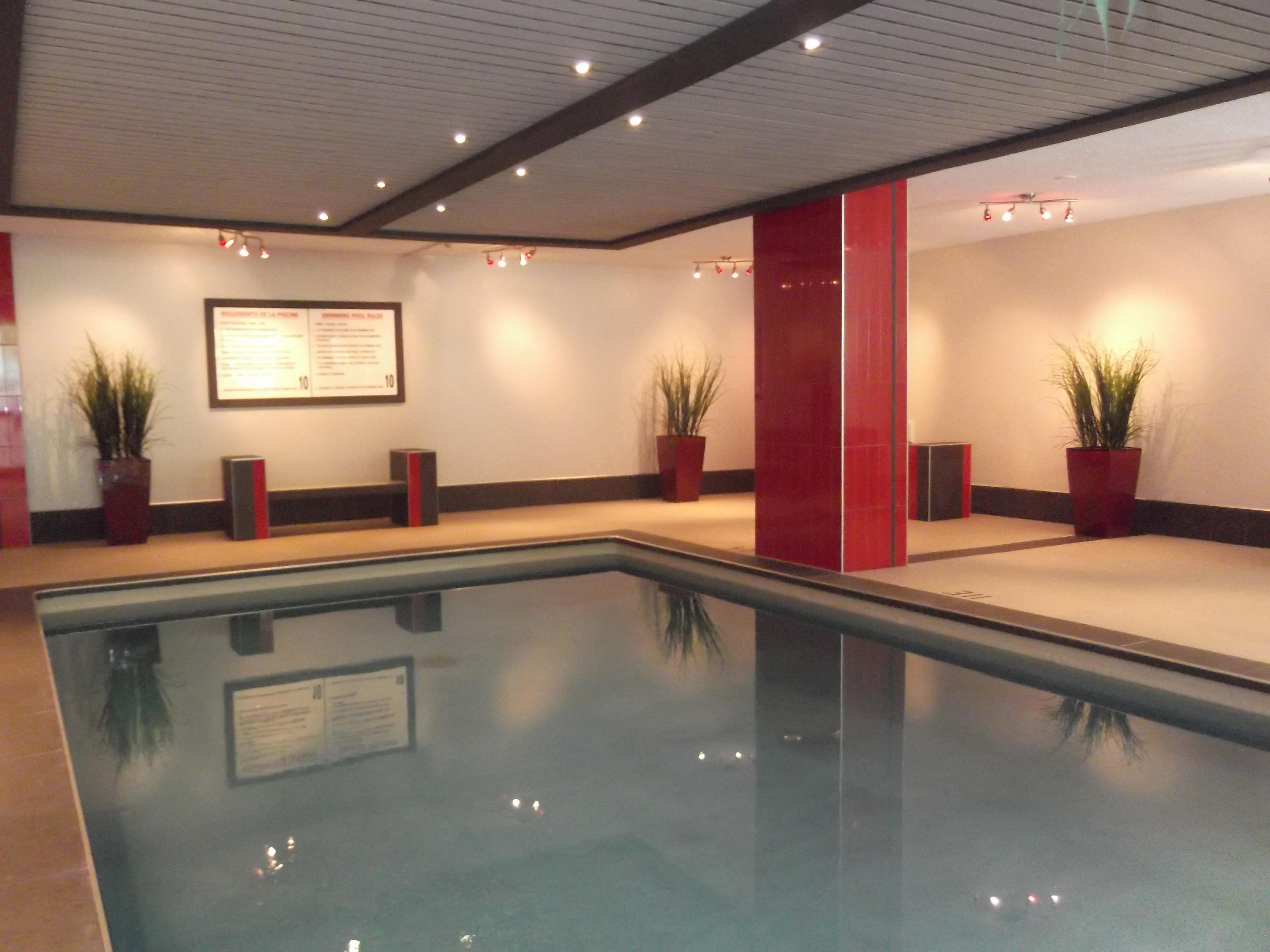 Studio / Bachelor Apartments for rent in Plateau Mont-Royal at Tour Lafontaine - Photo 02 - RentersPages – L23203