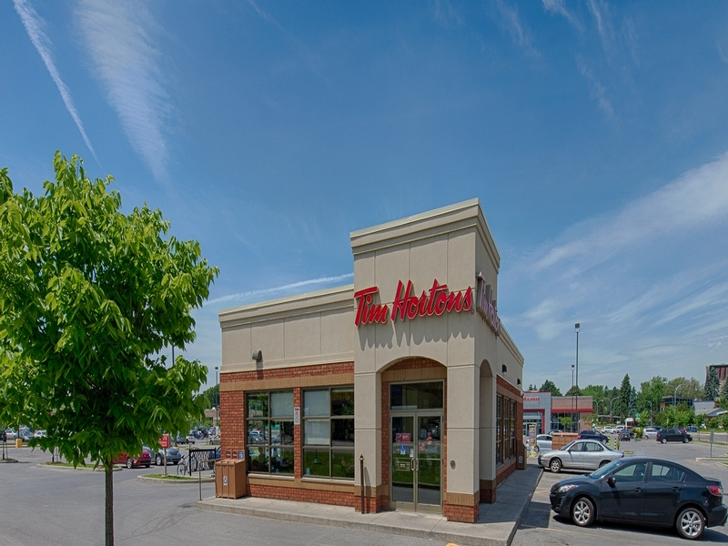 Shopping center for rent in Repentigny at Place-Repentigny - Photo 04 - RentersPages – L181013