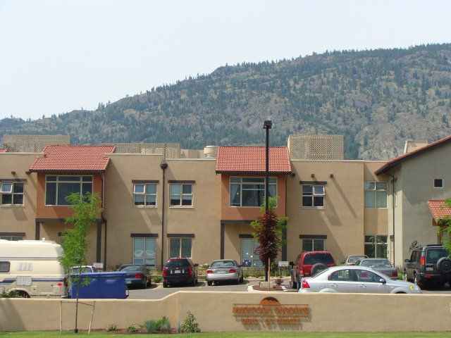 furnished Private Suite Assisted living retirement homes for rent in Osoyoos at Mariposa Gardens - Photo 06 - RentersPages – L128080