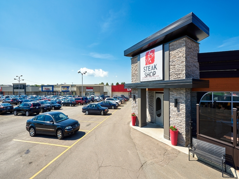 Strip mall for rent in Levis at Kennedy-Place - Photo 03 - RentersPages – L182898
