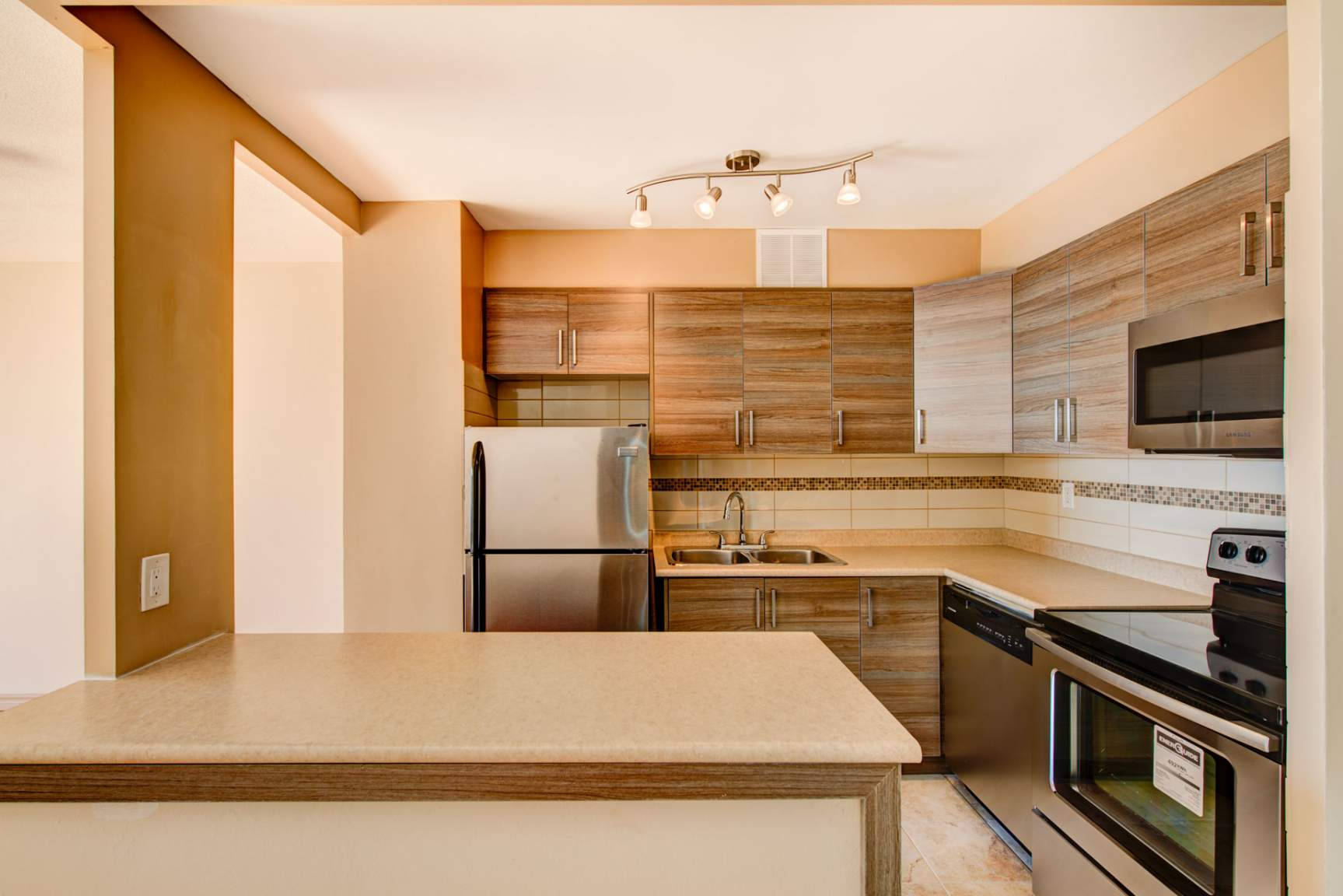 1 bedroom Apartments for rent in North-York at Hunters Lodge - Photo 11 - RentersPages – L400651