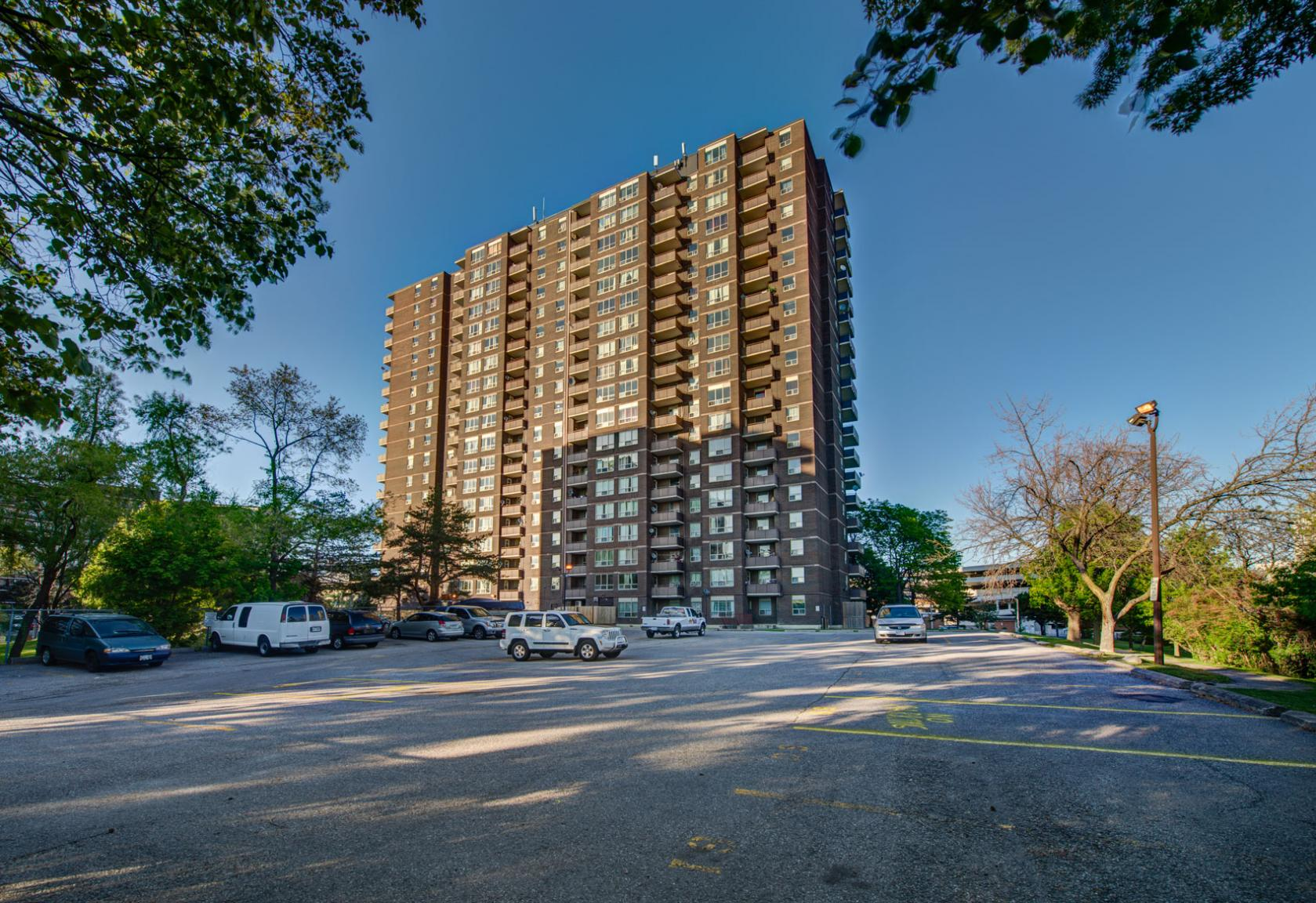 1 bedroom Apartments for rent in North-York at Hunters Lodge - Photo 03 - RentersPages – L400651