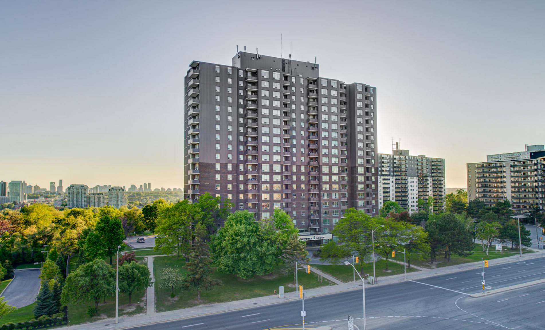 1 bedroom Apartments for rent in North-York at Hunters Lodge - Photo 02 - RentersPages – L400651