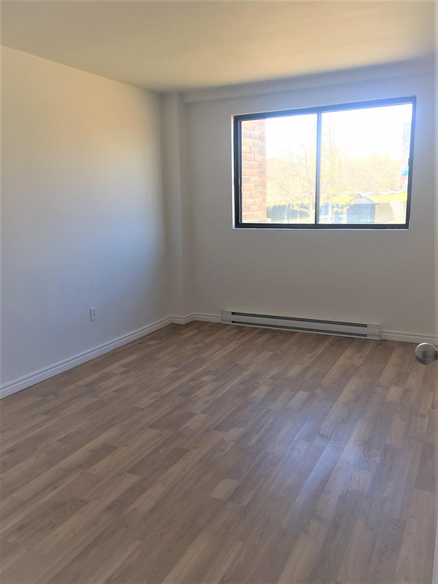 1 bedroom Apartments for rent in Pointe-aux-Trembles at Habitations de la Rousseliere - Photo 05 - RentersPages – L1921