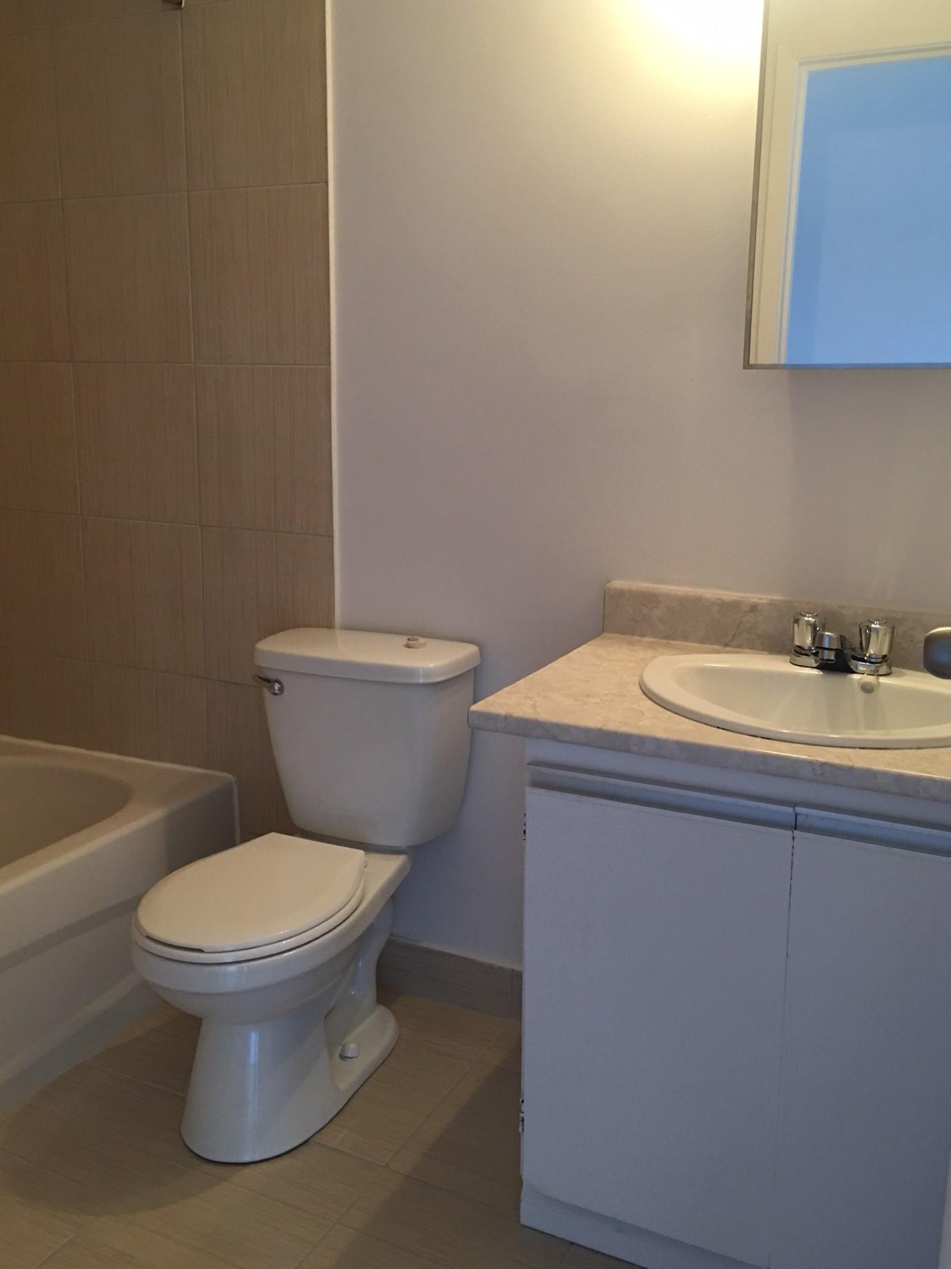 1 bedroom Apartments for rent in Pointe-aux-Trembles at Habitations de la Rousseliere - Photo 06 - RentersPages – L1921
