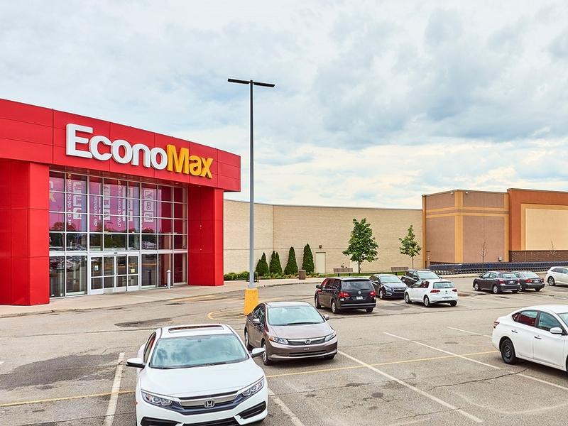 Shopping center for rent in Ville St-Laurent - Bois-Franc at Mega-Centre - Photo 06 - RentersPages – L181770