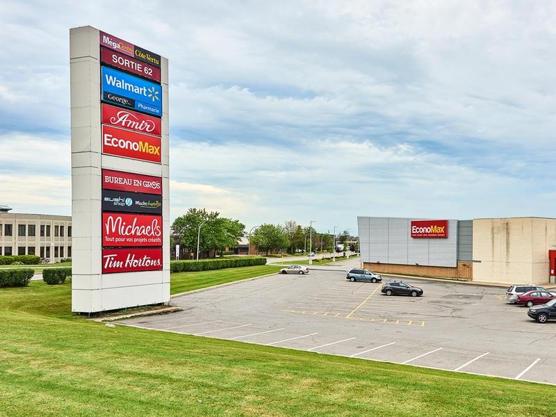 Shopping center for rent in Ville St-Laurent - Bois-Franc at Mega-Centre - Photo 07 - RentersPages – L181770