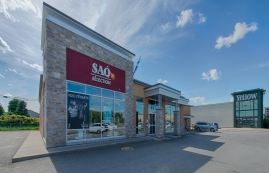 Shopping center for rent in Victoriaville at Grande-Place-Des-Bois-Francs - Photo 01 - RentersPages – L180998
