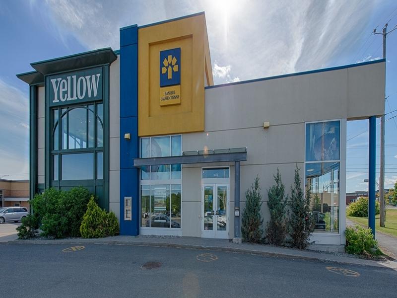 Shopping center for rent in Victoriaville at Grande-Place-Des-Bois-Francs - Photo 06 - RentersPages – L180998