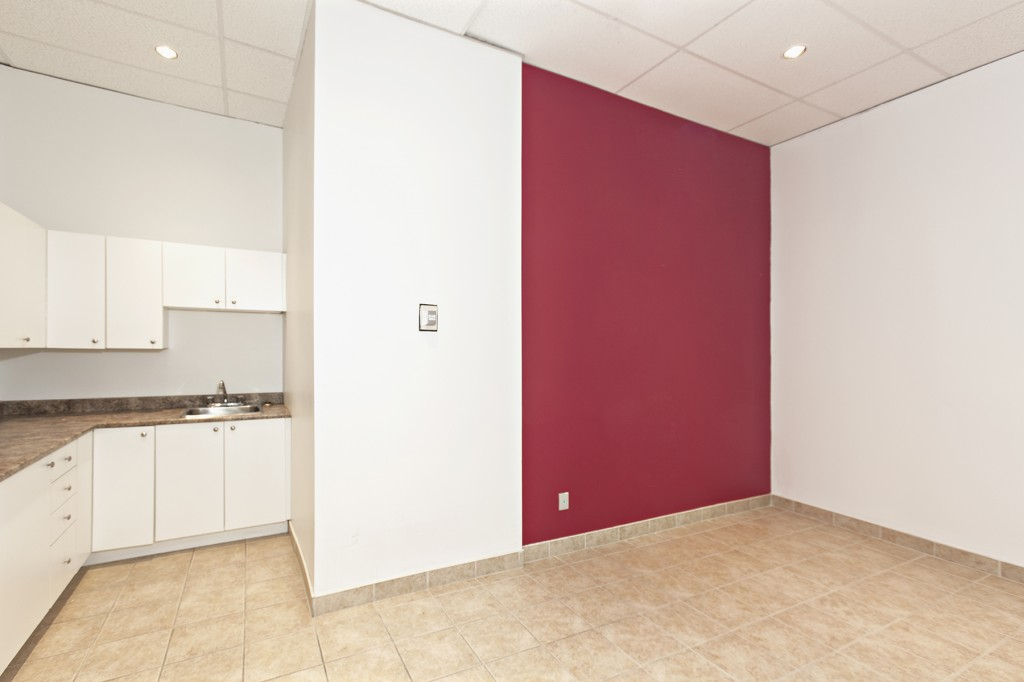 General office for rent in Ville St-Laurent - Bois-Franc at 750 Marcel Laurin - Photo 10 - RentersPages – L12793