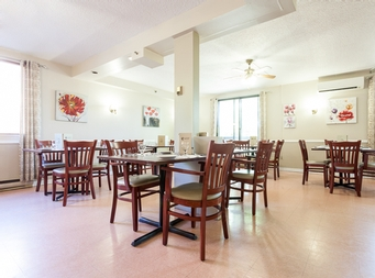 1 bedroom Assisted living retirement homes for rent in Ahuntsic-Cartierville at Residences Tournesol - Photo 01 - RentersPages – L19540