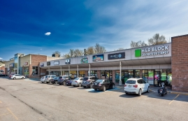 Strip mall for rent in Levis at Place-du-commerce - Photo 01 - RentersPages – L182897