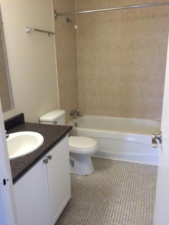 Studio / Bachelor Apartments for rent in Gatineau-Hull at Habitat du Lac Leamy - Photo 01 - RentersPages – L9125