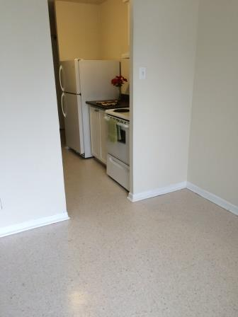 Studio / Bachelor Apartments for rent in Gatineau-Hull at Habitat du Lac Leamy - Photo 02 - RentersPages – L9125