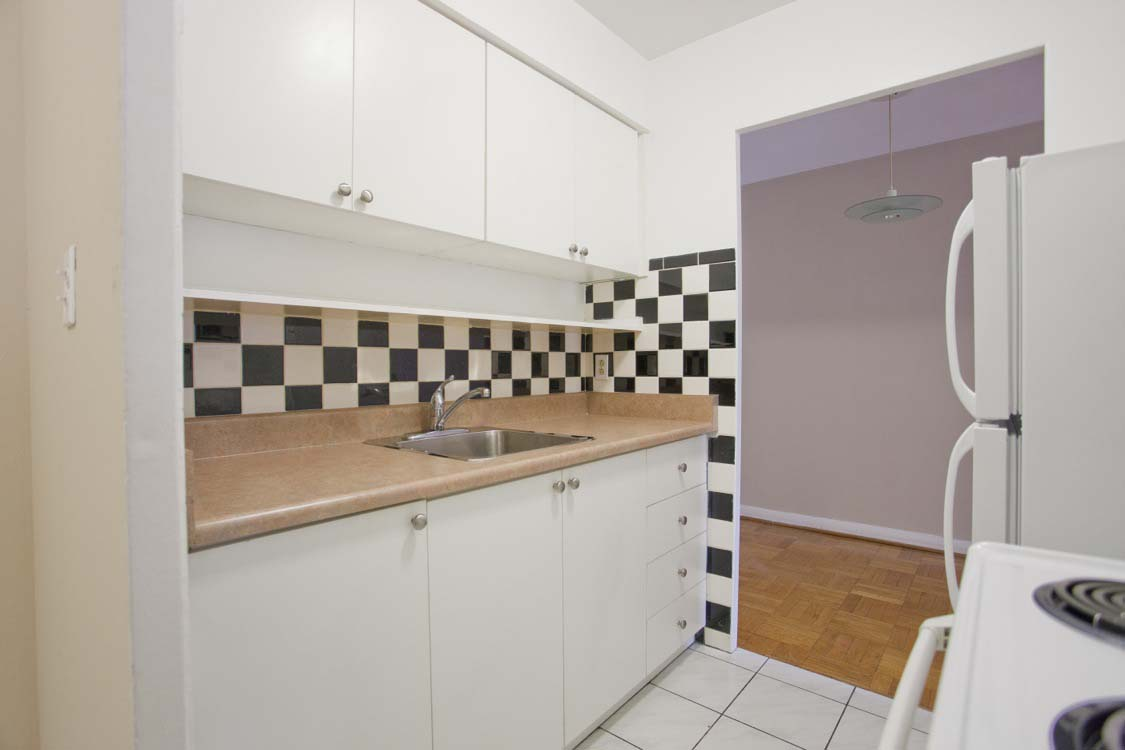 1 bedroom Apartments for rent in Toronto at Broadway - Photo 08 - RentersPages – L395846