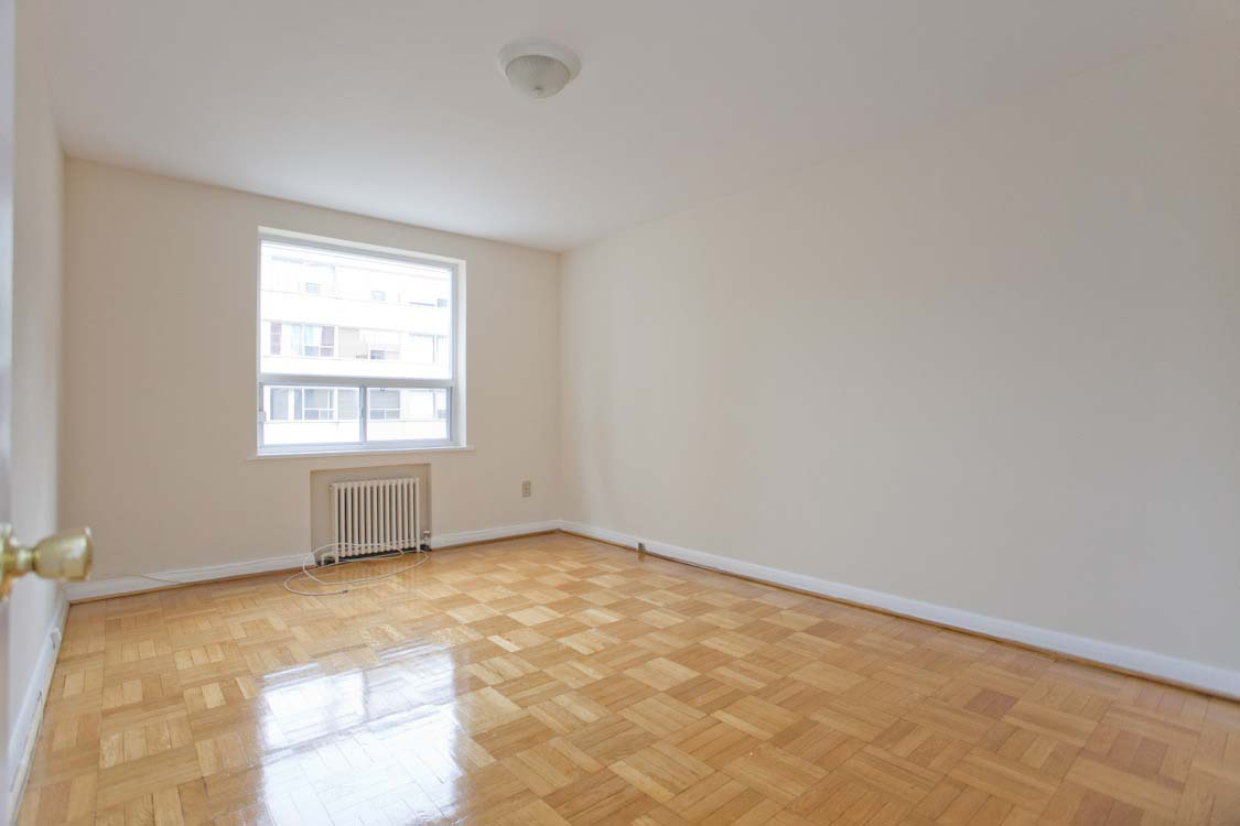 1 bedroom Apartments for rent in Toronto at Broadway - Photo 06 - RentersPages – L395846