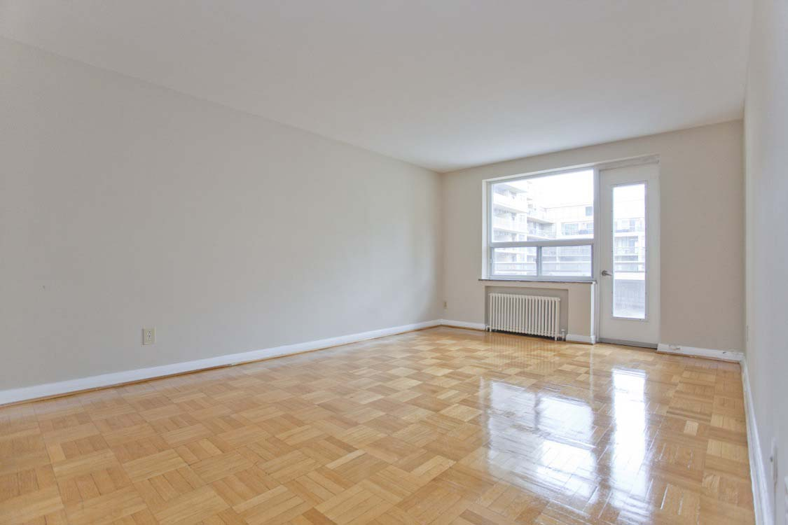 1 bedroom Apartments for rent in Toronto at Broadway - Photo 05 - RentersPages – L395846