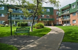 2 bedroom Independent living retirement homes for rent in Vaudreuil-Dorion at Les Jardins Vaudreuil - Photo 01 - RentersPages – L19505