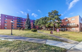 1 bedroom Apartments for rent in Etobicoke at West Park Village - Photo 01 - RentersPages – L395789
