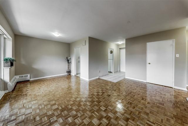 1 bedroom Apartments for rent in Etobicoke at West Park Village - Photo 06 - RentersPages – L395789