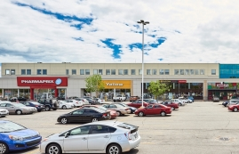 Strip mall for rent in Chateauguay at Chateauguay Shopping Centre - Photo 01 - RentersPages – L181579