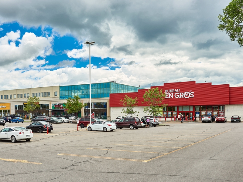 Strip mall for rent in Chateauguay at Chateauguay Shopping Centre - Photo 02 - RentersPages – L181579