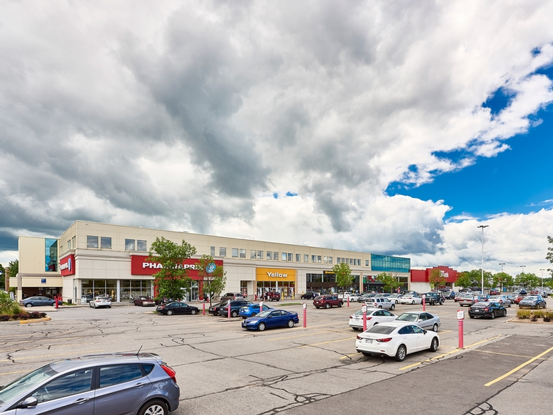 Strip mall for rent in Chateauguay at Chateauguay Shopping Centre - Photo 04 - RentersPages – L181579
