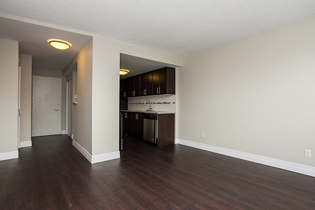 Studio / Bachelor Apartments for rent in Edmonton at Grandin Tower - Photo 10 - RentersPages – L395701