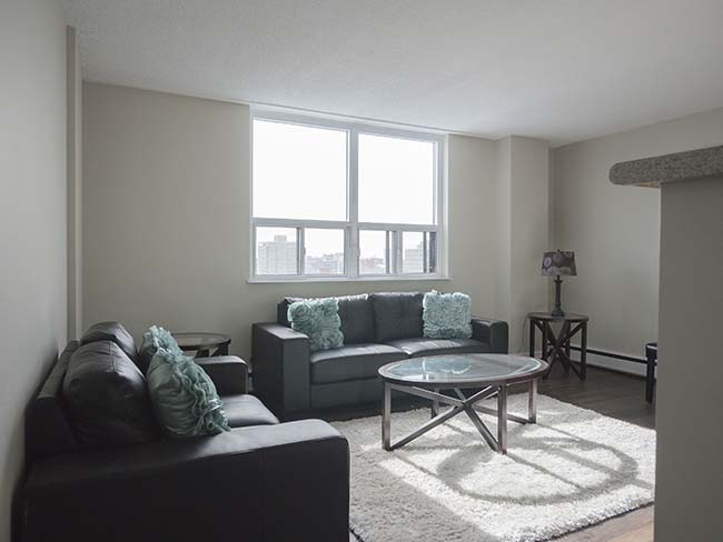Studio / Bachelor Apartments for rent in Edmonton at Grandin Tower - Photo 05 - RentersPages – L395701