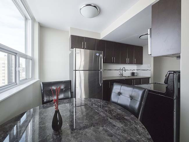 Studio / Bachelor Apartments for rent in Edmonton at Grandin Tower - Photo 07 - RentersPages – L395701