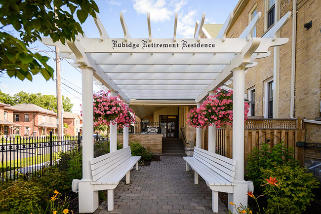 luxurious 1 bedroom Assisted living retirement homes for rent in Peterborough at Rubidge Retirement Residence - Photo 03 - RentersPages – L37704