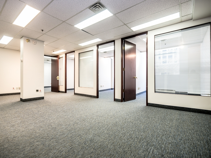General office for rent in Montreal (Downtown) at Le-204-St-Sacrement - Photo 04 - RentersPages – L183183