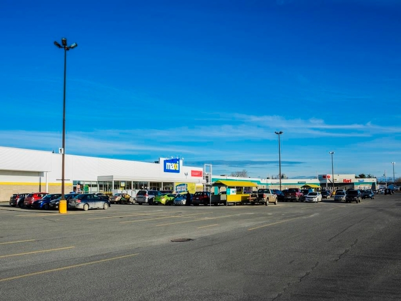 Shopping center for rent in La Sarre at Carrefour-La-Sarre - Photo 06 - RentersPages – L181060