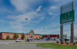 Shopping center for rent in Victoriaville at Grande-Place-Des-Bois-Francs - Photo 01 - RentersPages – L180994