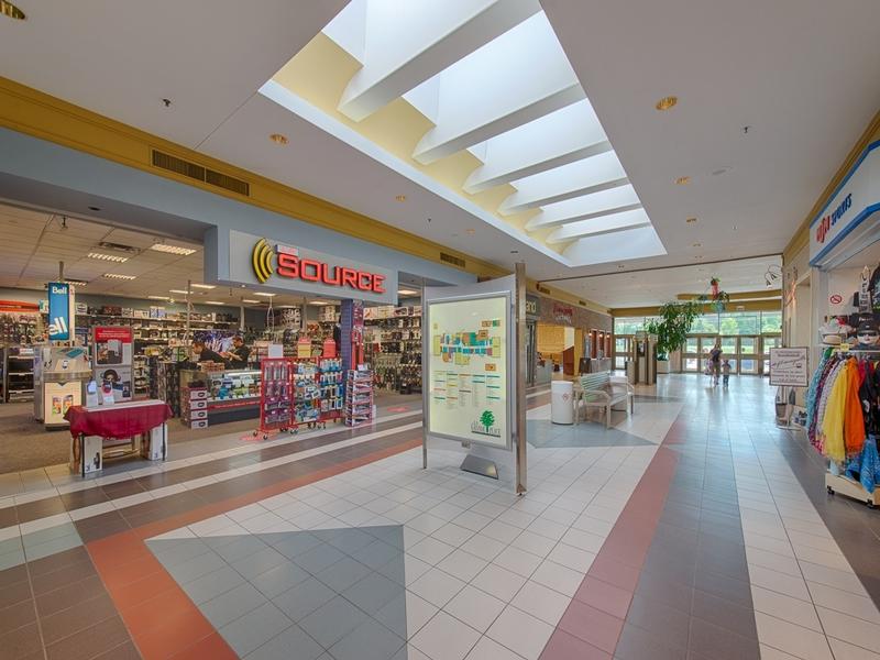 Shopping center for rent in Victoriaville at Grande-Place-Des-Bois-Francs - Photo 03 - RentersPages – L180994