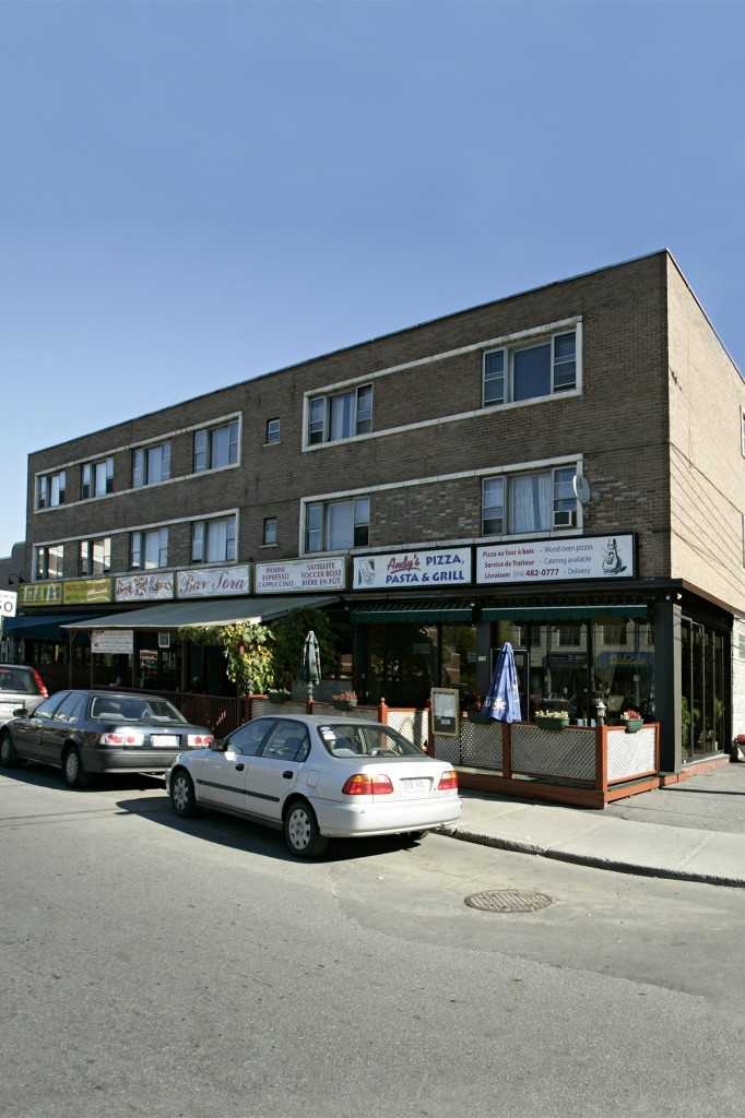 Street retail space for rent in Notre-Dame-de-Grace at 4655 Madison - Photo 01 - RentersPages – L12773