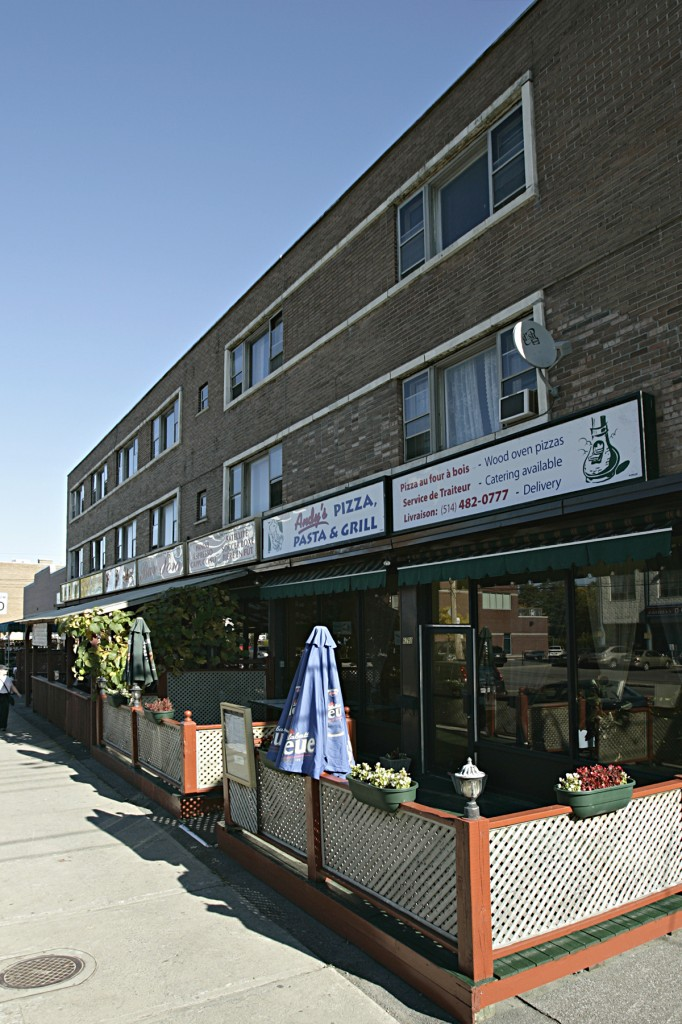 Street retail space for rent in Notre-Dame-de-Grace at 4655 Madison - Photo 02 - RentersPages – L12773