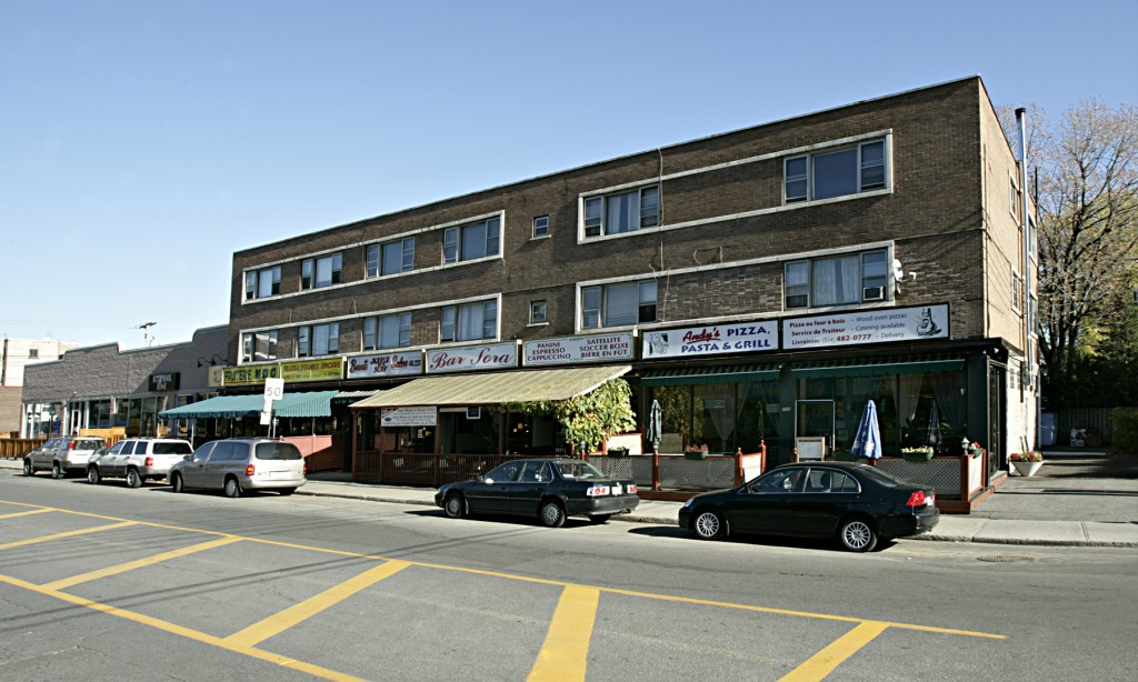 Street retail space for rent in Notre-Dame-de-Grace at 4655 Madison - Photo 03 - RentersPages – L12773