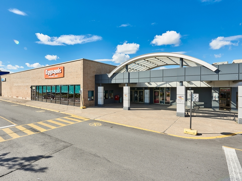 Shopping center for rent in Longueuil at Place-Desormeaux - Photo 03 - RentersPages – L182823