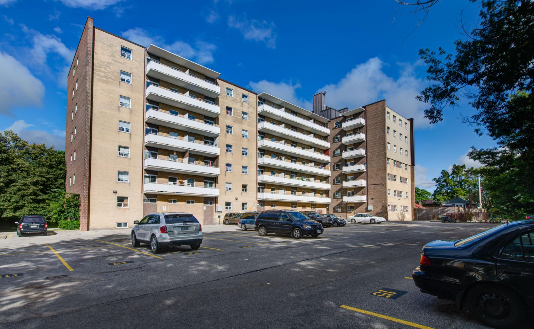 1 bedroom Apartments for rent in Etobicoke at Lake Promenade Community - Photo 03 - RentersPages – L166485