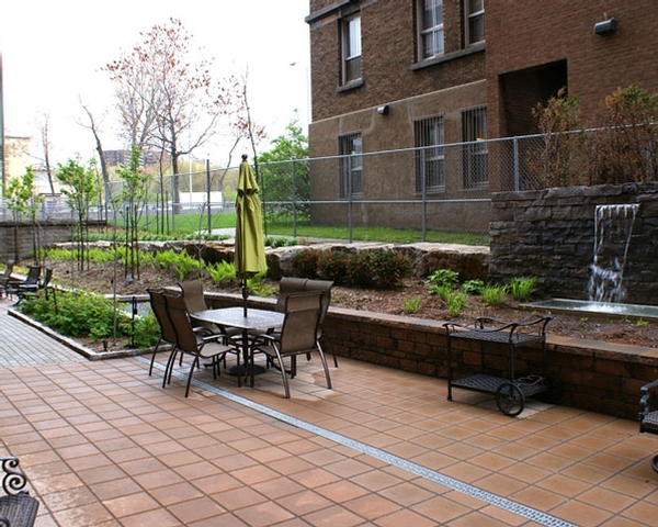 luxurious Studio / Bachelor Assisted living retirement homes for rent in Hampstead at Vista - Photo 11 - RentersPages – L19545
