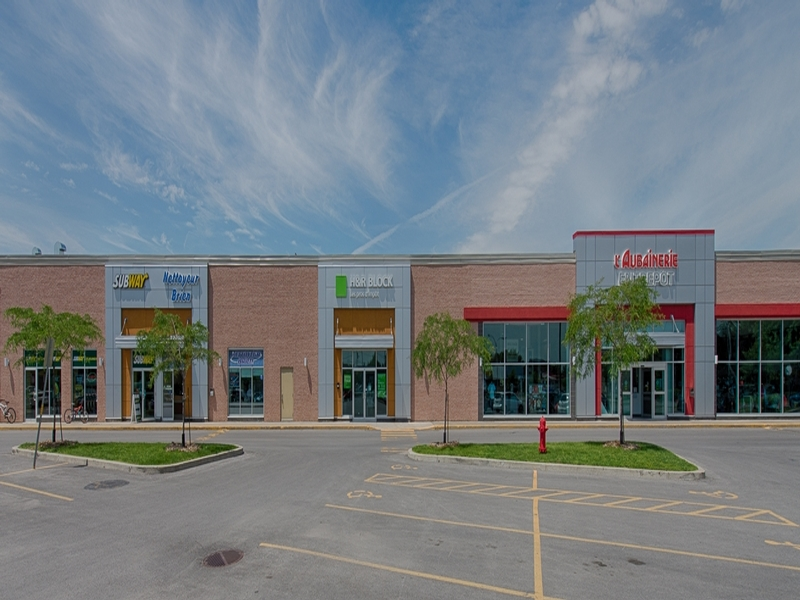 Shopping center for rent in Repentigny at Place-Repentigny - Photo 02 - RentersPages – L181018