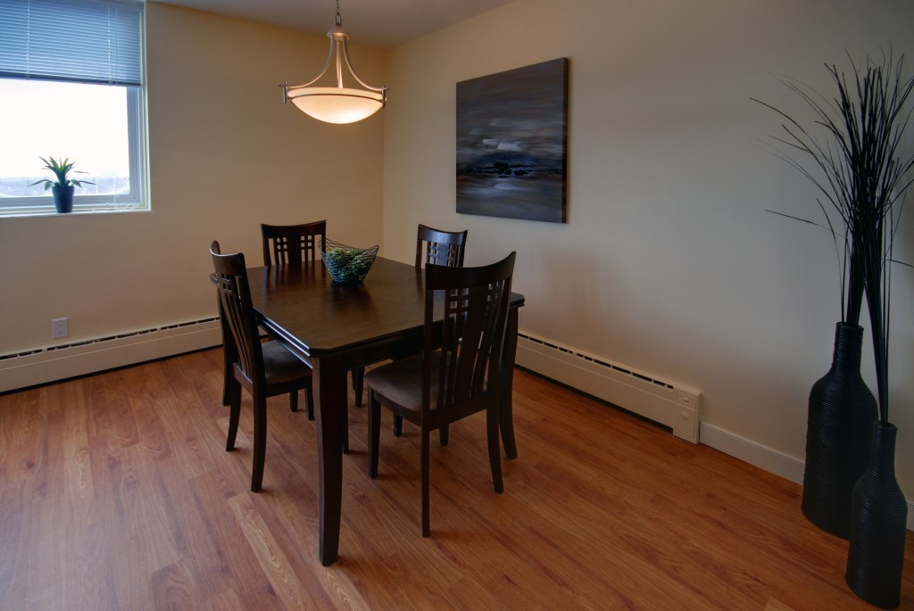 2 bedroom Apartments for rent in Winnipeg at Lanark Tower - Photo 03 - RentersPages – L145028