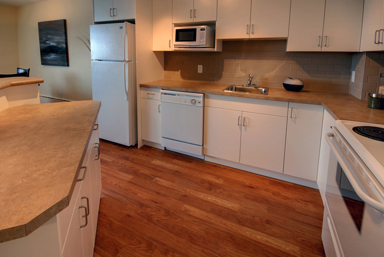2 bedroom Apartments for rent in Winnipeg at Lanark Tower - Photo 04 - RentersPages – L145028