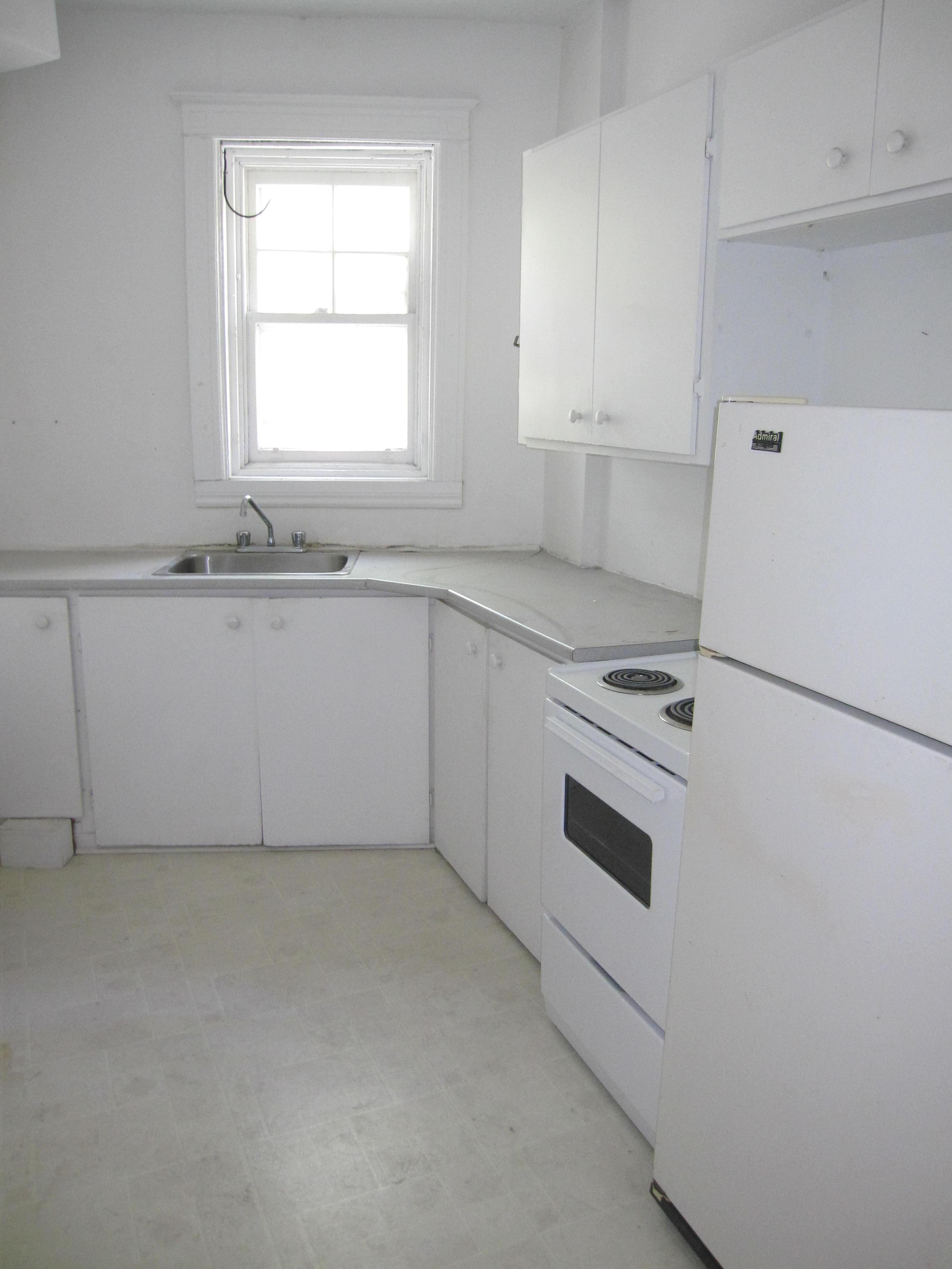 2 bedroom Apartments for rent in Notre-Dame-de-Grace at 2325-3405 Oxford - Photo 06 - RentersPages – L9296