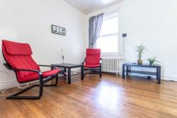 furnished 2 bedroom Apartments for rent in Cote-des-Neiges at 2219-2229 Edouard-Montpetit - Photo 02 - RentersPages – L1105