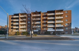 2 bedroom Apartments for rent in Mississauga at Strathroy Manor - Photo 01 - RentersPages – L400747