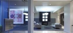 luxurious 1 bedroom Apartments for rent in Toronto at 18 Brownlow Avenue - Photo 03 - RentersPages – L5277